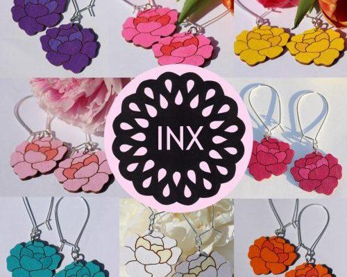 INX design- värikkäät korut kotimaisesta koivuvanerista